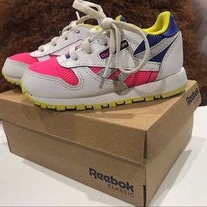 INFANT COLOR BLOCK REEBOK CLASSIC SNEAKERS